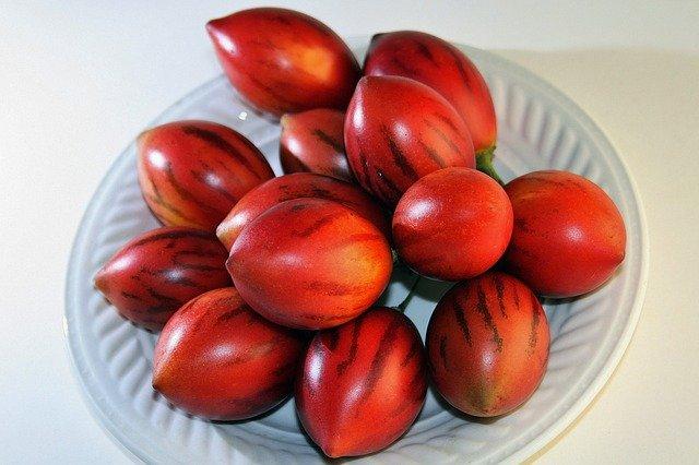 fruta tropical exótica Tamarillo