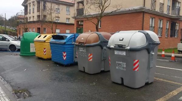 contenedor gris para reciclar